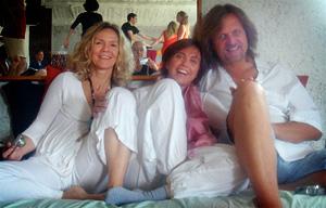 Astiko, Mònica y Ketan
